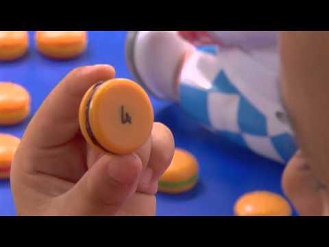 Smyths Toys Pig Goes Pop Board Game