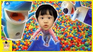 Indoor Playground Fun for Kids Finger Family Song Play Slide Rainbow Colors Ball | MariAndKids Toys