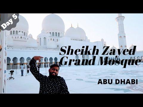 Sheikh Zayed Grand Mosque in Abu Dhabi with wheelchairwala