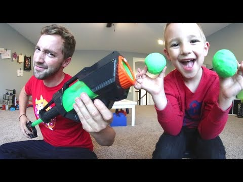 FATHER SON PLAY SLIME BALL BAZOOKA! / Launches So Far!