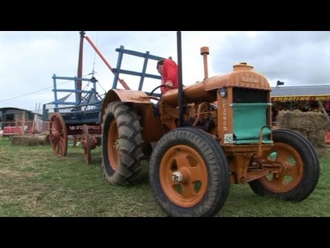 VINTAGE WORKING RALLY 2011 (PART 14)  TRACTOR AND HAY MAKING DEMONSTRATION IN THE RING