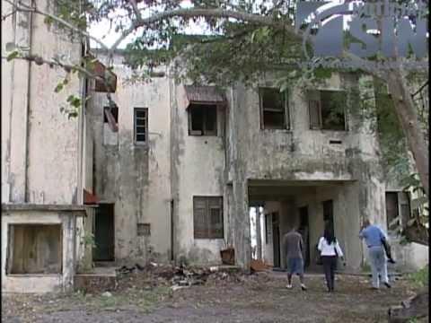 Slo escombros quedan de la Casa de Caoba  15022013