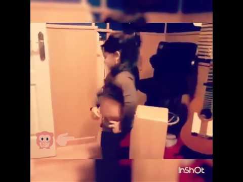 رقص طفله عراقيه # 😂 خبره # لاتنسون الاشتراك thumbnail