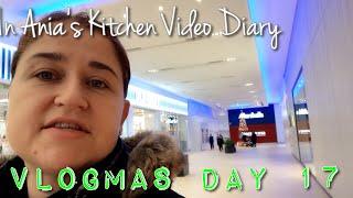 Vlogmas Day 17 - Just Shopping