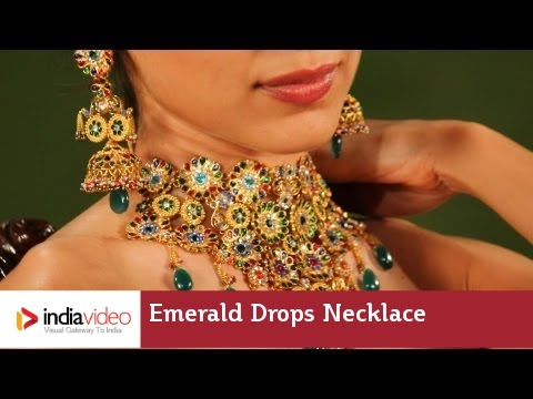 Emerald drops necklace and earring