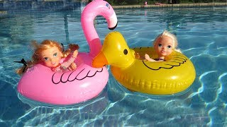 FLOATIES ! Elsa & Anna toddlers - Pool Party - Water fun Prank Big float Splash Swim Inflatables