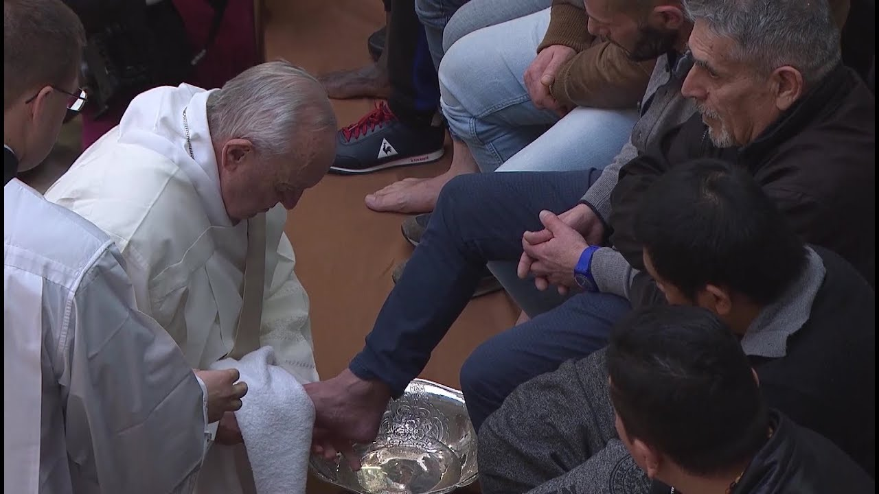 Holy Thursday: Why Does The Pope Wash Feet On Maundy Thursday? What's The Tradition?