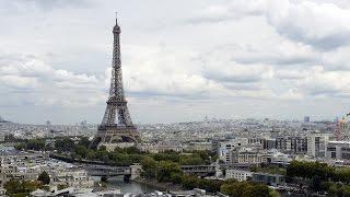Последствие атак: туристы не спешат в Париж (новости)(http://ntdtv.ru/ Последствие атак: туристы не спешат в Париж. Туристическая отрасль Парижа до сих пор не может прий..., 2016-05-18T09:10:45.000Z)