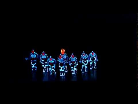 Amazing Tron Dance performed  Wrecking Orchestra