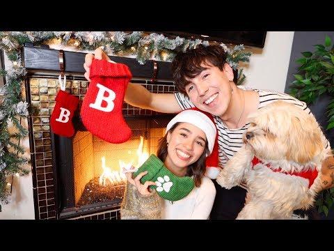 MEET MY GIRLFRIEND!! CHRISTMAS DECORATING MY ROOM | VLOGMAS DAY 1
