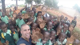 Guy quits job to high five the world - epic travel video(36 countries in a little over a year. I made a plan, worked and saved for 3 years and quit to travel the world. I sold everything I owned and hitchhiked, couch ..., 2015-06-03T15:11:19.000Z)