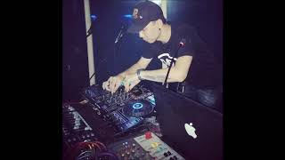 "DJ BREAKBEAT GOLDEN CROWN/4PLAY/PARAGON ""SPECIAL 4 FRIEND"" BY DJ HANSEN PHANG"" VOL.4"