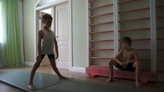 Спичаг упражнение выполняют Виктор,Кирилл