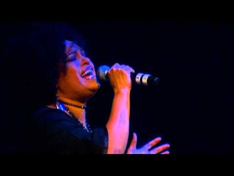 christine anu jimmy little perform at dueting it for the kids - Christmas Baby Please Come Home Lyrics