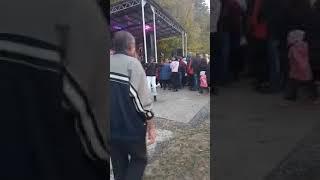 ПАРНИ ЖГУТ! 2 ПАРНЯ ОЧЕНЬ КРУТО ТАНЦУЮТ ПОД НАРОДНЫЕ ПЕСНИ!!!