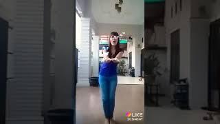 Aku Wanita Yang Sedang Jatuh Cinta - BCL ft. Dipa Barus