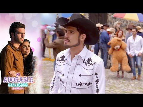 Rodrigo y Rafael, compiten por la atención de Aurora | Mi adorable maldición - Televisa