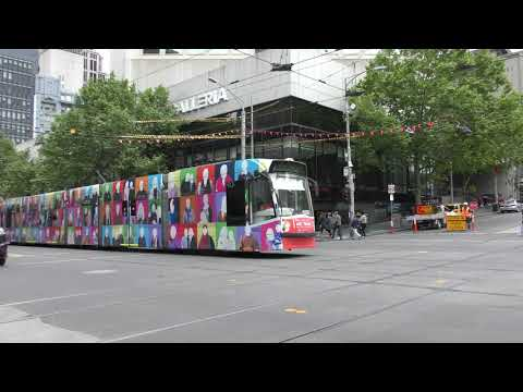 Melbourne Art tram St Albans Heights Primary School's Community Hub D2 5002 Elizabeth St