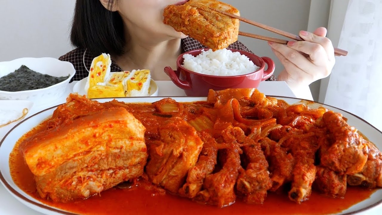 통삼겹 등갈비 김치찜 노토킹 리얼사운드 먹방Braised Kimchi and Pork Belly Chunk eating ASMR_realsound mukbang eatingshow