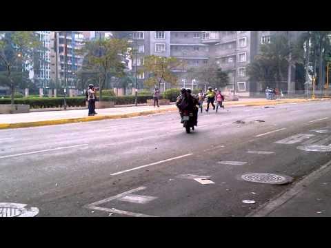 Estudiantes detenidos en Plaza Altamira, Caracas 13/03/2014
