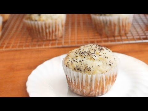 Lemon Poppyseed Muffins | SweetTreats