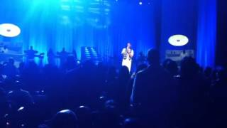 R.Kelly- Heaven I need a hug Live on the Single Ladies tour
