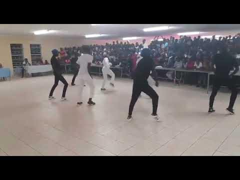 Mad King Genius Perfomance at Ruacana high school last show