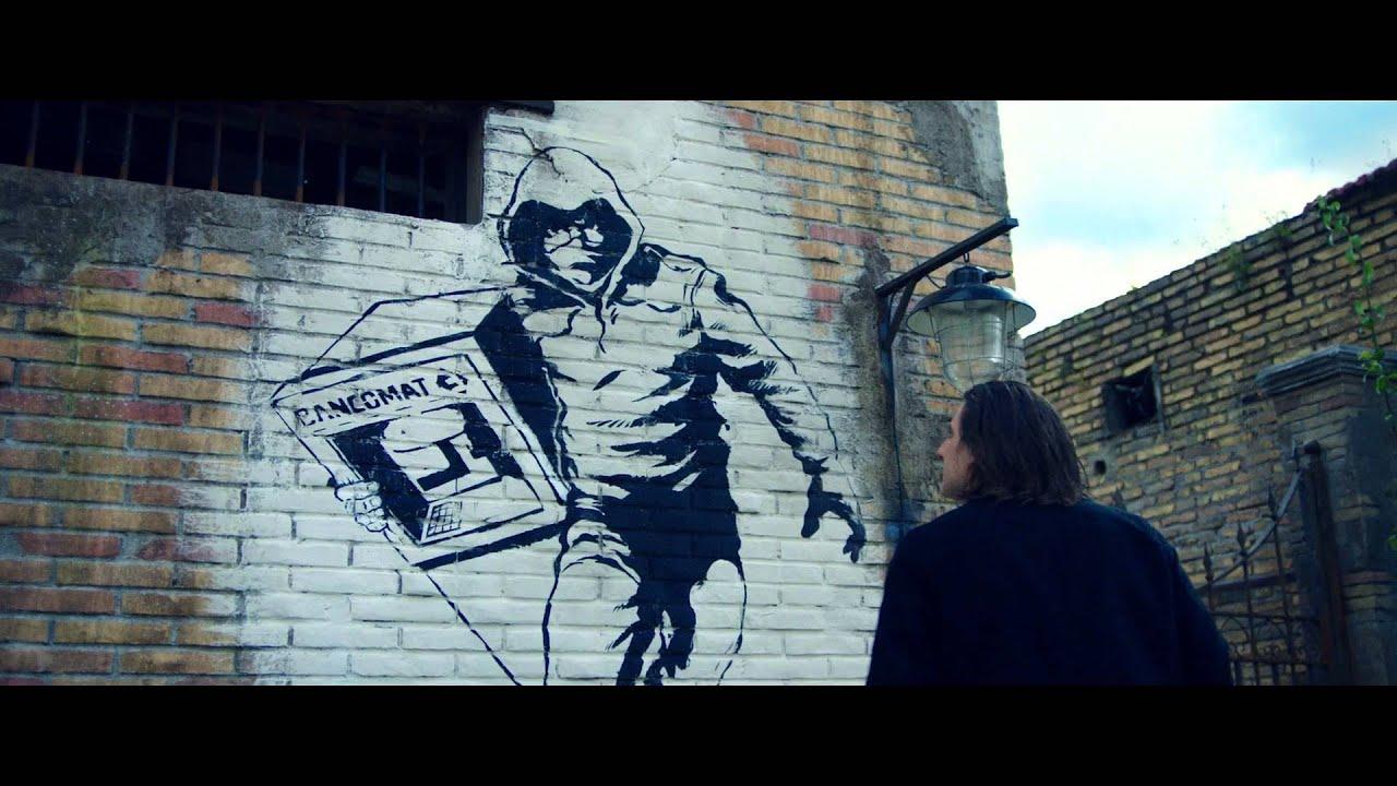 Lo chiamavano jeeg robot trailer sigla hd youtube for Immagini di murales e graffiti
