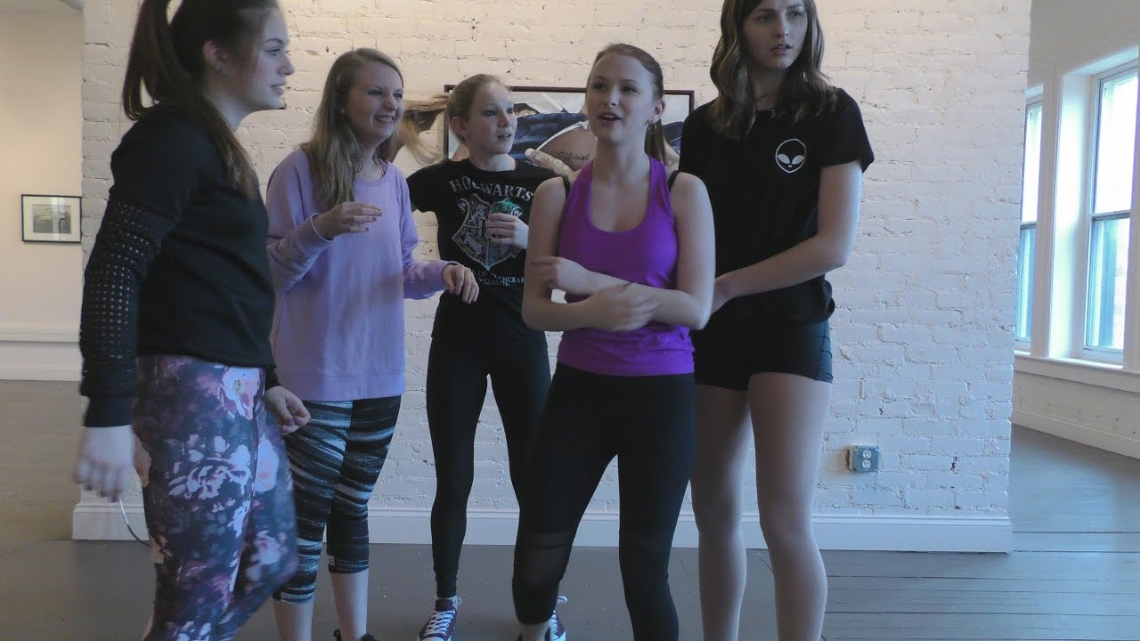 Somethings Creeping In The Walls At Teen Girls Dance Studio - My Dance Vlog Is Haunted 49 -8205