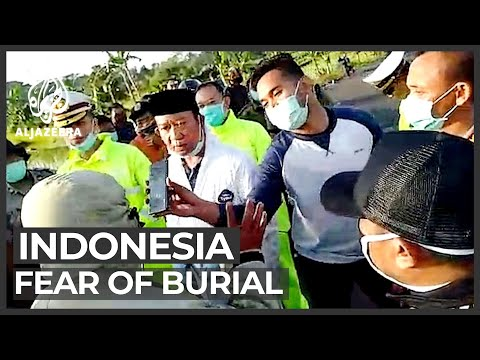 Indonesia pandemic: Fears about COVID-19 ahead of lockdown