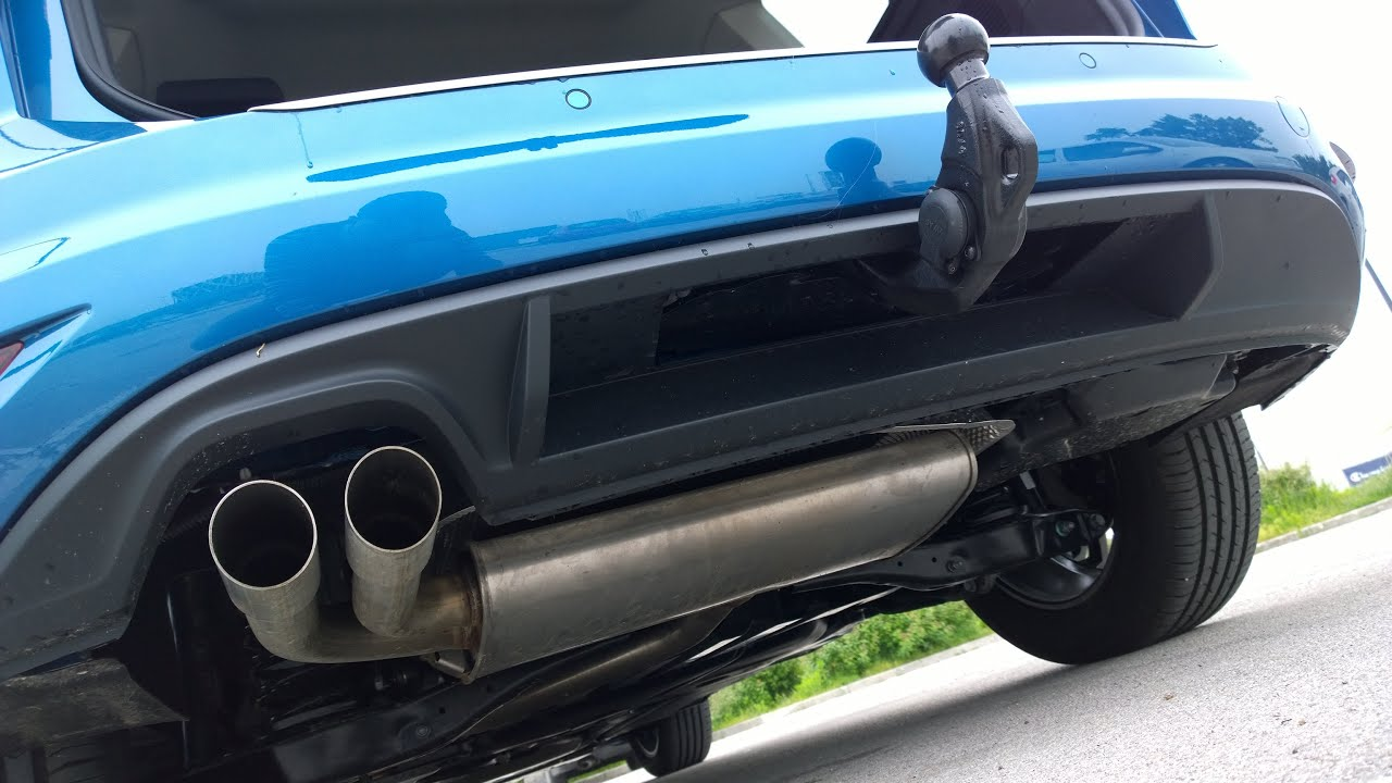VW Touran 2 - factory installed tow bar - tovarniško vgrajena vlečna