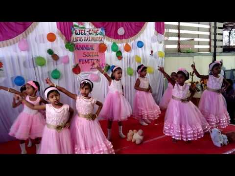KIDS DANCE ON SONG
