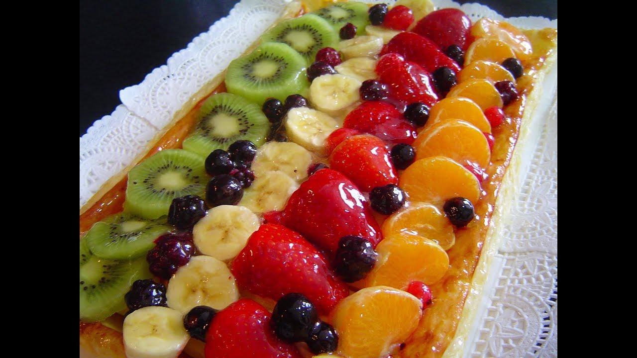 Banda De Hojaldre Crema Pastelera Y Fruta Qué Rico Postres Con Frutas Hojaldre Hojaldres