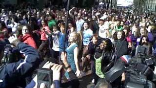 Glee 1000 Person Flash-Mob in Seattle