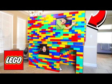 BUILDING A 2 STORY LEGO MANSION!