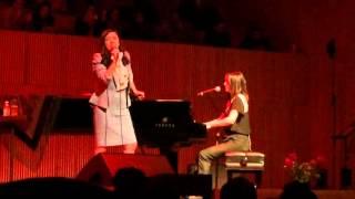 Julieta Venegas & Mon Laferte - Los momentos [CCRC]
