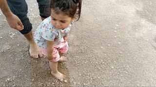 Ayşe Ebrar Tuz Gölüne Gitti Tuzlar Ayağına Battı Ayşe Ebrar Ağladı .