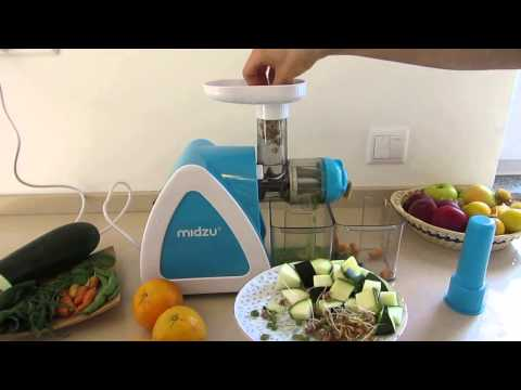 Midzu slow juicer juicing different greens
