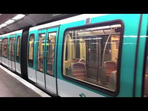 MF-01 a Porte de Versailles sur la ligne 12
