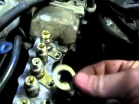 Dieselmeken shows how to fix leaking deliveryvalveholders on Mercedes - YouTube