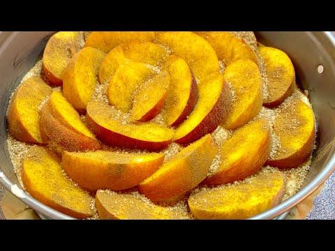Сладкиш с праскови - много лесна рецепта, а се получава толкова вкусен сладкиш, че един не стига !