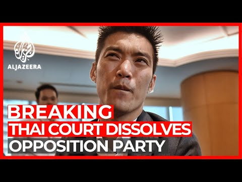 Thai court dissolves