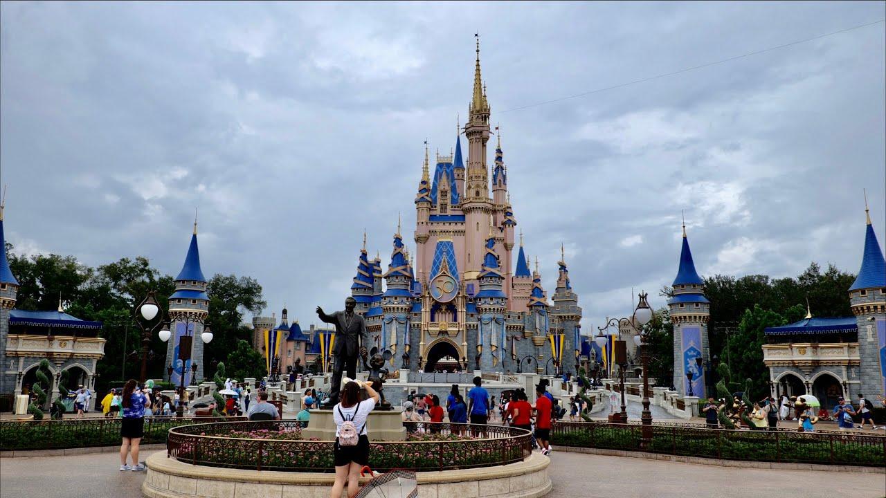 Relaxing Walk Around Magic Kingdom in 4K   Walt Disney World Orlando Florida September 2021