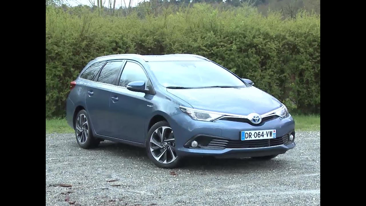 essai toyota auris touring sports 136h design 2016 youtube. Black Bedroom Furniture Sets. Home Design Ideas