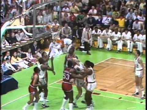Larry Bird pretty Fake & Lay-Up with back to the basket - 1981 ECF PHI VS BOS Game 7