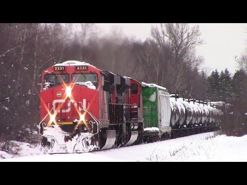 Post Fall Snowstorm! CN Train 406 West near Salisbury, NB (Nov 30, 2016)