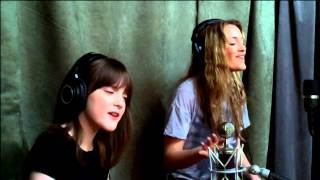 Repeat youtube video MUST WATCH!! 7 Year Old Sings Alive by Krewella with her Big Sister!