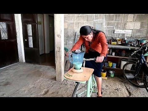 شاهد.. دراجات هوائية لاستخراج المياه وتحضير العصير وطحن الذرة …  - 17:54-2019 / 2 / 9
