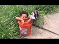 Mum, dad, help me! I'm stuck! - Funny kids and babies getting stuck compilation