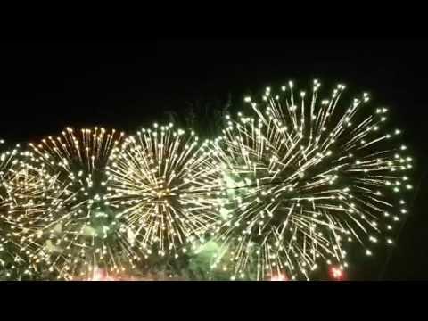 Необыкновенное световое шоу и фейерверк. Фестиваль Круг Света